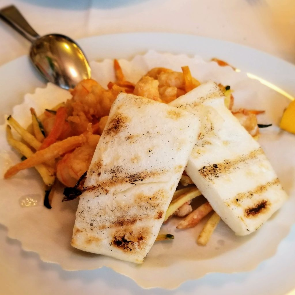 trattoria da romano scampi fritti (shrimp and vegetable platter)