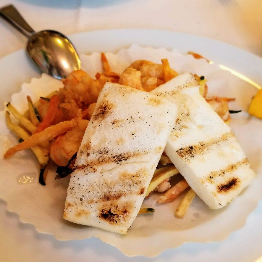 trattoria da romano scampi fritti (shrimp and vegetable platter)