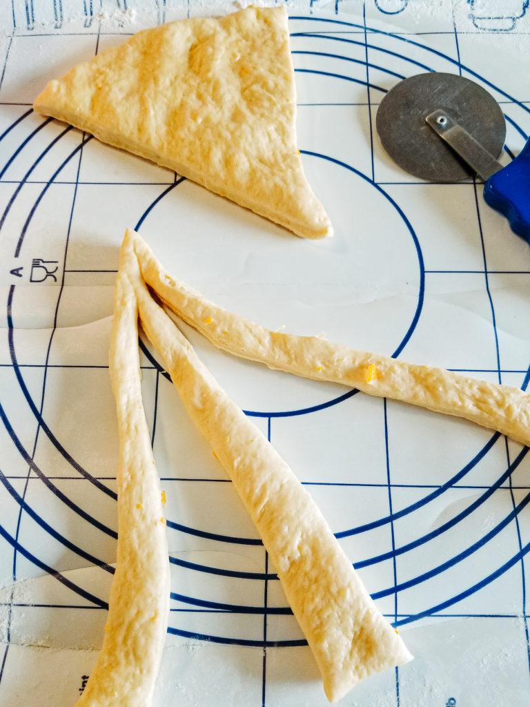 shaping paska bread dough