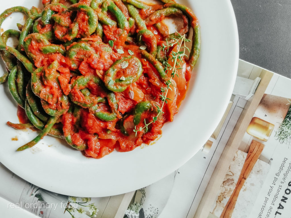 fresh thyme and tomato sauce spinach pici pasta