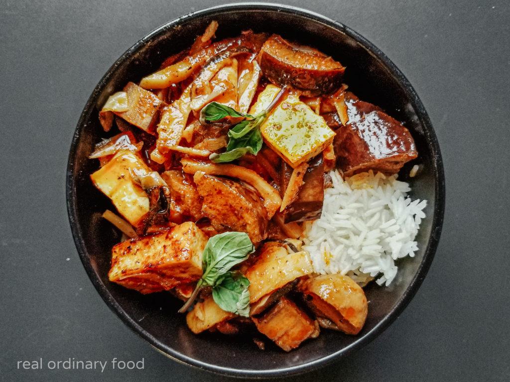 thai vegan jungle curry (kaeng pa)