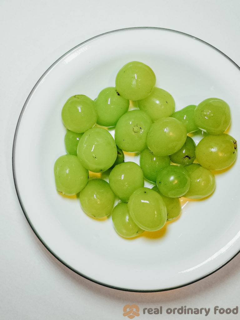 korean shine muscat grape