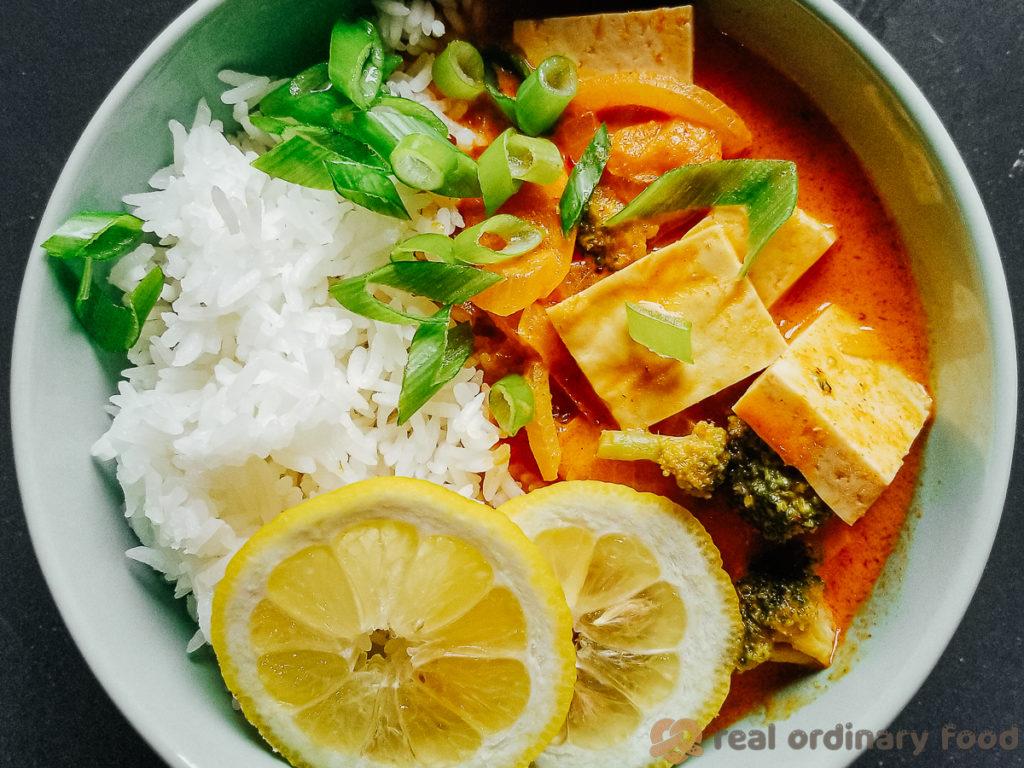 vegan thai red curry (kaeng phet)