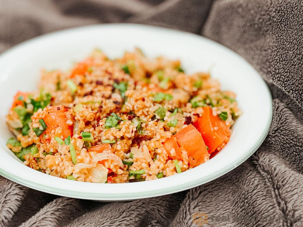 spicy turkish bulgur salad with sumac and tomato