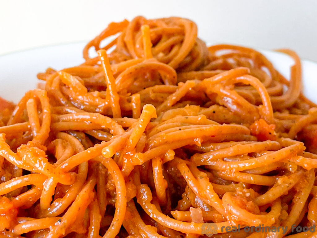 pasta al silsi (spaghetti with berbere sauce)